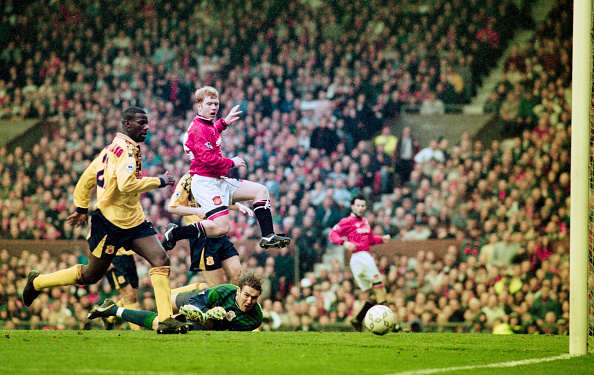 Best shot「Manchester United v Nottingham Forest FA Carling Premiership April 1996」:写真・画像(6)[壁紙.com]