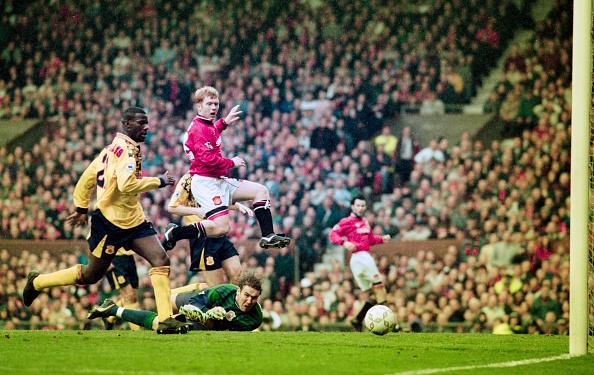 Best shot「Manchester United v Nottingham Forest FA Carling Premiership April 1996」:写真・画像(3)[壁紙.com]