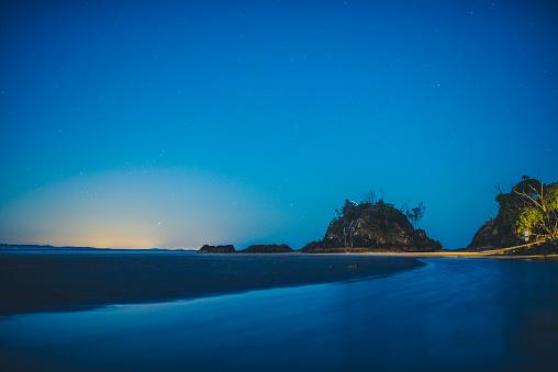 Freedom「View of the ocean in Australia at night」:スマホ壁紙(18)