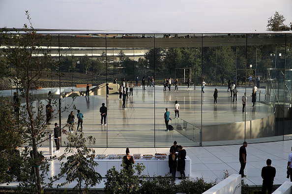 Cupertino「Apple Holds Product Launch Event At New Campus In Cupertino」:写真・画像(3)[壁紙.com]
