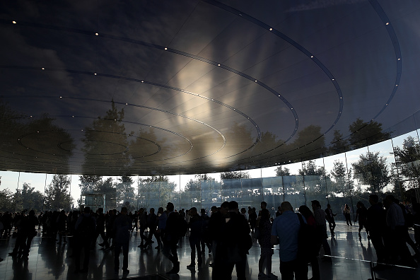 Cupertino「Apple Holds Product Launch Event At New Campus In Cupertino」:写真・画像(5)[壁紙.com]
