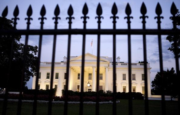 Joshua Roberts「As Default Deadline Nears, Congress Continues Debate Debt Ceiling Plan」:写真・画像(10)[壁紙.com]