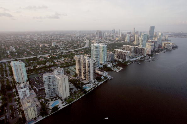 Miami「Miami Area Experiences Construction Boom」:写真・画像(1)[壁紙.com]