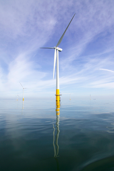 Sunny「view of the Kentish flats offshore windfarm showing the wind turbine generators off whitstable and herne bay in kent on a calm windless day with reflections in the water」:写真・画像(19)[壁紙.com]