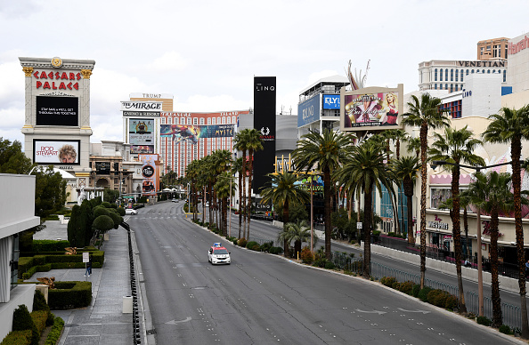 Las Vegas「Las Vegas Casinos Close Their Doors In Response To Coronavirus Pandemic」:写真・画像(1)[壁紙.com]