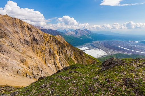 Kennicott Glacier「View of the intersection of Root Glacier (left) and Kennicott Glacier (right) from high on Donoho Peak in the backcountry of Wrangell-St. Elias National Park」:スマホ壁紙(0)