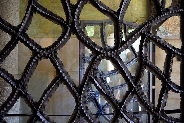 アントニ・ガウディ「View of the Casa Mila」:写真・画像(14)[壁紙.com]