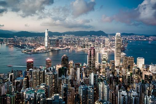 Development「View of the Hong Kong skyline」:スマホ壁紙(5)