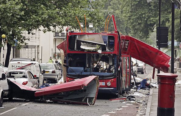 London - England「Forensic Evidence Is Gathered At Bomb Scene」:写真・画像(16)[壁紙.com]