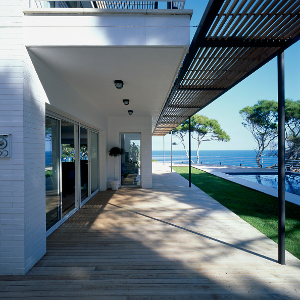 Horizon「View of the entrance to a house」:写真・画像(10)[壁紙.com]