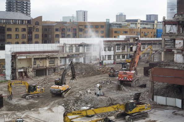 Tom Stoddart Archive「Demolition Of 'Fortress Wapping'」:写真・画像(16)[壁紙.com]