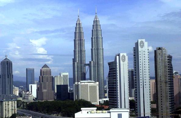 Kuala Lumpur「Twin Towers In Kuala Lumpur」:写真・画像(2)[壁紙.com]
