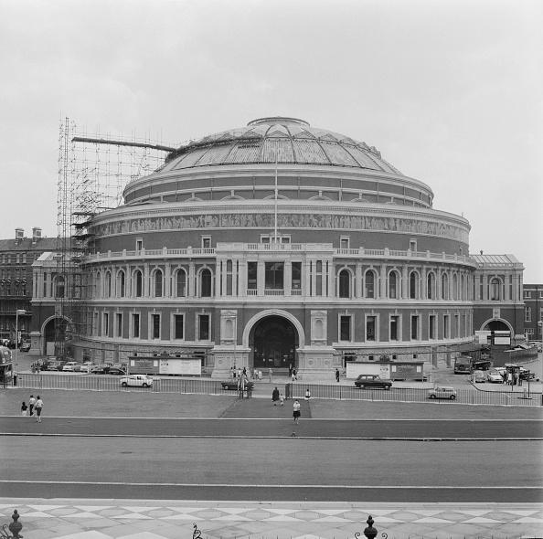 Scaffolding「Freshly Cleaned Albert Hall」:写真・画像(13)[壁紙.com]