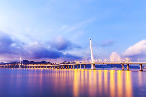 カリグラフィー フローリッシュ「深圳湾大橋のビュー」:スマホ壁紙(8)