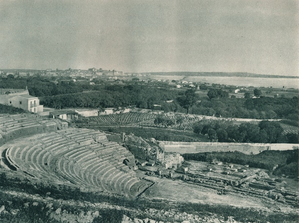 Sicily「View of the town from the Greek Theatre, Syracuse, Sicily, Italy」:写真・画像(5)[壁紙.com]