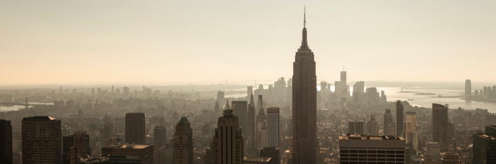 Sepia Toned「View of the Empire State Building and Manhattan skyline」:スマホ壁紙(17)