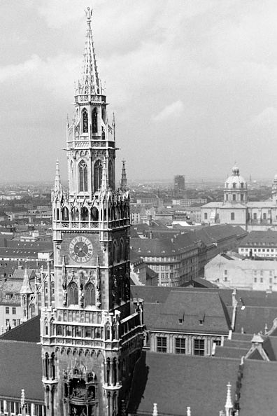 Old Town「Historic Buildings And Sights In Munich'S Old Town」:写真・画像(0)[壁紙.com]