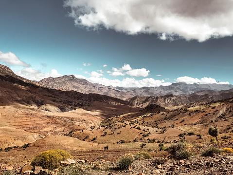 北アフリカ「モロッコのアトラス有田の眺め」:スマホ壁紙(10)