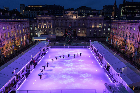 Somerset House「Ice Skating Rink At Somerset House Is Launched For Christmas」:写真・画像(1)[壁紙.com]