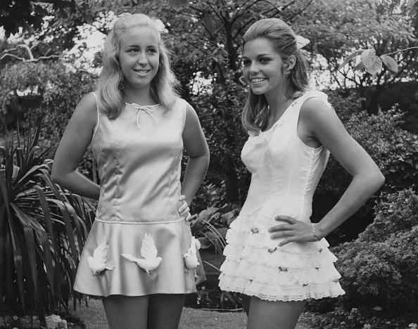 ミニドレス「Kristy And Betty」:写真・画像(15)[壁紙.com]