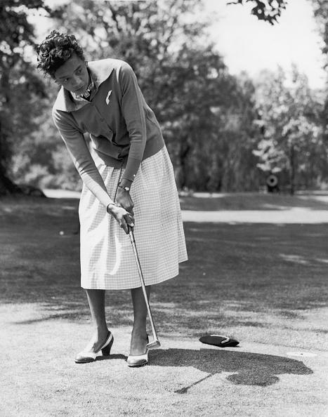 Putting - Golf「Golfing Gibson」:写真・画像(9)[壁紙.com]