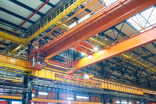 Metallic「Large modern construction factory with overhead cranes」:スマホ壁紙(4)