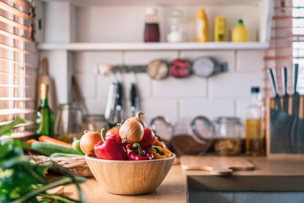 Kitchen in real home:スマホ壁紙(壁紙.com)