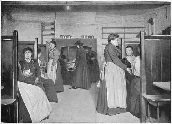 Kitchen「Kitchen in a single women's lodging house, Spitalfields, London, c1903 (1903)」:写真・画像(19)[壁紙.com]