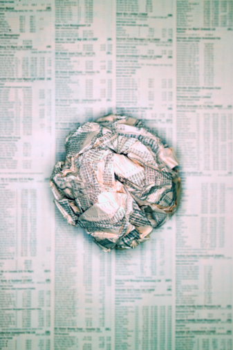 Information Medium「Scrunched ball of newspaper on flat page of newspaper」:スマホ壁紙(7)