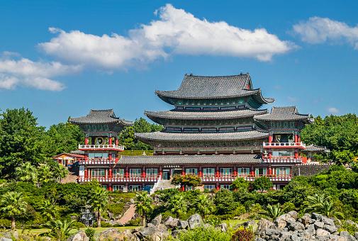 Jeju Island「Yakcheonsa Temple on Jeju Island」:スマホ壁紙(1)