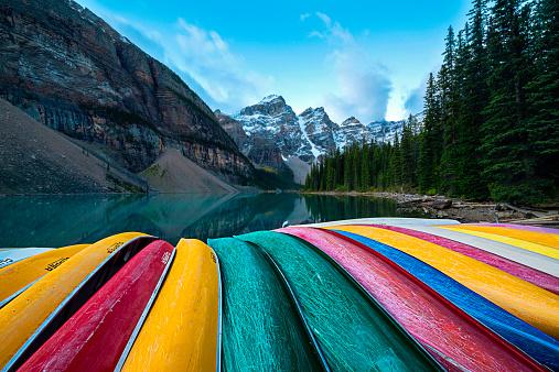 Colorful「Canada, Alberta, Banff, Multi-colored canoes,」:スマホ壁紙(16)