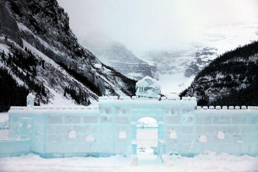 Ice Sculpture「Canada, Alberta, Banff National Park, Lake Louise, Facade of an ice castle」:スマホ壁紙(10)