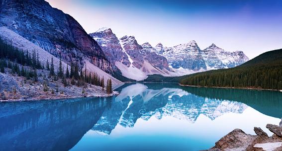 World Heritage「Canada, Alberta, Glacial, Moraine Lake, Banff National Park」:スマホ壁紙(5)