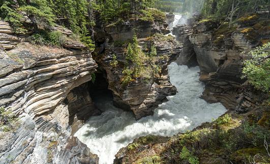 Athabasca River「Canada, Alberta, Jasper National Park, Athabasca Falls」:スマホ壁紙(6)