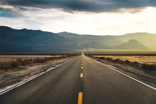 Depression - Land Feature「Desert Highway Death Valley」:スマホ壁紙(11)