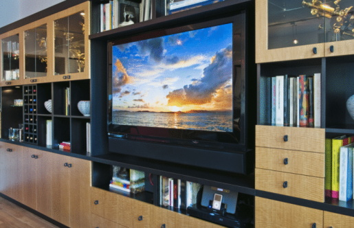 Arts Culture and Entertainment「Flat screen TV in luxurious apartment」:スマホ壁紙(9)