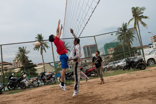 Best shot「Locals Make Use Of Phnom Penh's Public Exercise Spots」:写真・画像(4)[壁紙.com]