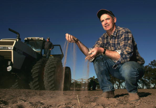 Sowing「Victorian Farmers Battle Drought Conditions」:写真・画像(13)[壁紙.com]