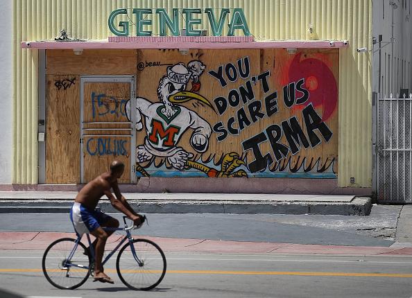 Miami Beach「Florida Begins Preparing For Hurricane Irma」:写真・画像(15)[壁紙.com]