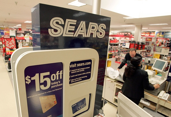 Sears Roebuck And Company「Sears Posts Higher Than Expected Quarterly Profit」:写真・画像(4)[壁紙.com]