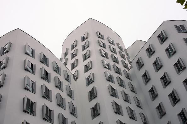 Düsseldorf「Neuer Zollhof」:写真・画像(10)[壁紙.com]