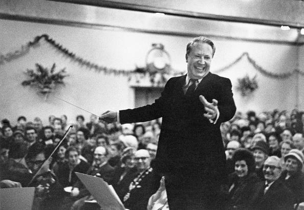 Musical Conductor「Heath Conducts Carols」:写真・画像(10)[壁紙.com]