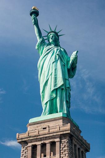 Female Likeness「The Statue Of Liberty」:スマホ壁紙(10)