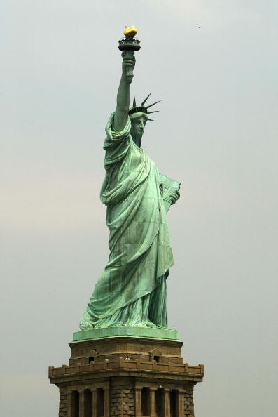 Freedom「New York Prepares To Re-Open Statue Of Liberty To The Public」:写真・画像(16)[壁紙.com]