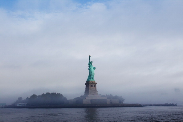 Statue of Liberty - New York City「Sarkozy Joins NYC Mayor Bloomberg To Celebrate 125 Years Of Statue Of Liberty」:写真・画像(1)[壁紙.com]
