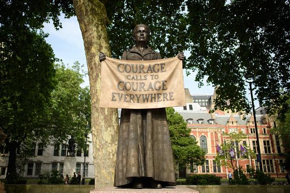 Statue「Millicent Fawcett Statue」:写真・画像(17)[壁紙.com]