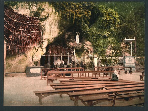 Sculpture「Grotto Of Notre Dame」:写真・画像(14)[壁紙.com]