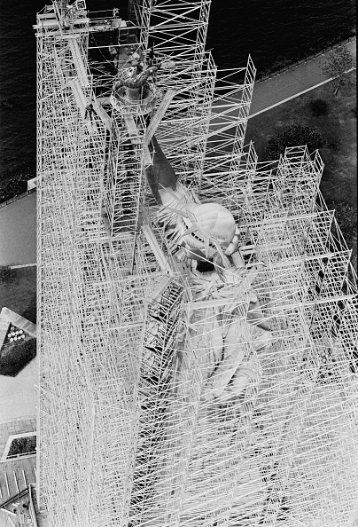 Terry Disney「Statue of Liberty Restoration Project」:写真・画像(11)[壁紙.com]