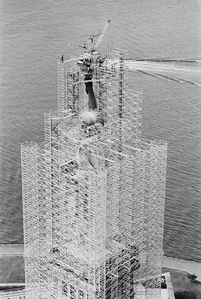 Terry Disney「Statue of Liberty Restoration Project」:写真・画像(9)[壁紙.com]