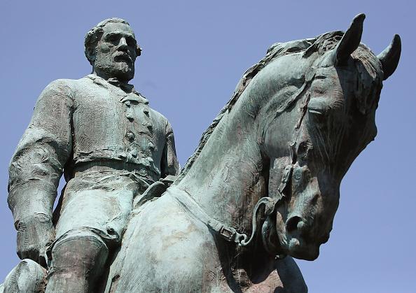 シャーロッツビル エマンシペーション公園「Charlottesville City Council Votes To Cover Statues Of Robert E. Lee And Stonewall Jackson」:写真・画像(19)[壁紙.com]